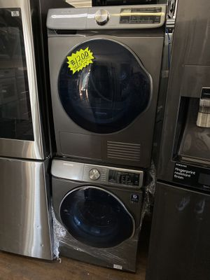 SAMSUNG FRONT LOAD WASHER AND DRYER SET VENTLESS NEW for Sale in Azusa, CA