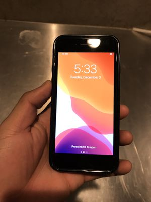 IPHONE 8 CRICKET OR AT&T SERVICE ONLY for Sale in Los Angeles, CA