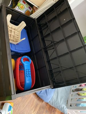 Outdoor storage box for Sale in Fresno, CA