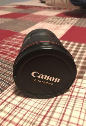 Canon 24-70L lense for Sale in Churchville, PA
