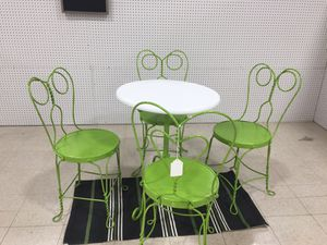 Ice cream table and 4 chairs for Sale in Olivette, MO