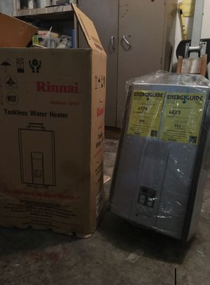 Only $350 -cost $950 Rinnai High efficiency plus 7.5gal Water heater model r94ls for Sale in Alafaya, FL