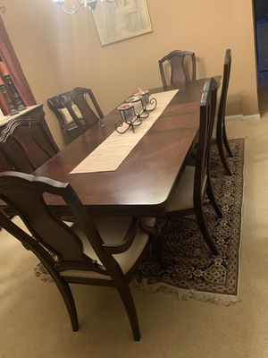Havertys Lafayette Dining Set for Sale in Pipe Creek, TX