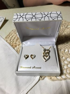 Diamond accent earring and necklace set for Sale in IL, US