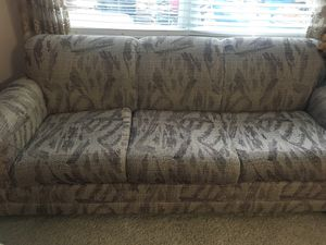 Couch/ sofa for Sale in Columbus, OH