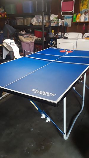 Full size ping pong table practically new only used a couple times for Sale in Fresno, CA
