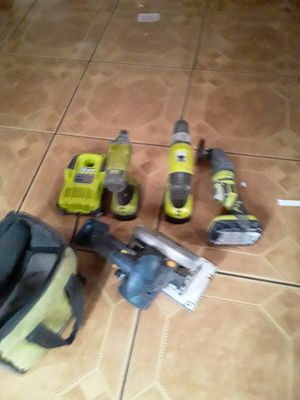 Set impacto drill hammer drill skillsaw multitool 3 batterys charger bag everything 100 firme for Sale in Los Angeles, CA
