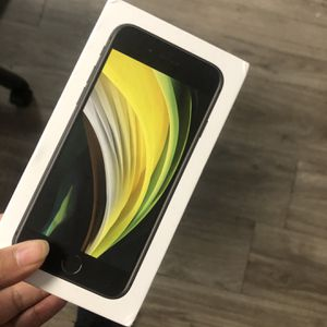 IPHONE SE FACTORY UNLOCKED for Sale in Dallas, TX