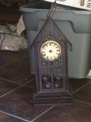 Antique clock for Sale in North Las Vegas, NV