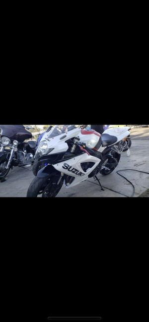 2007 gsxr 600 clean title 12,000 Miles FIRM for Sale in Bloomington, CA