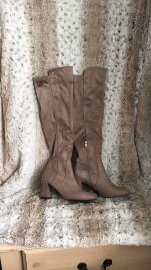 Knee high heel boots size 7M for Sale in Modesto, CA