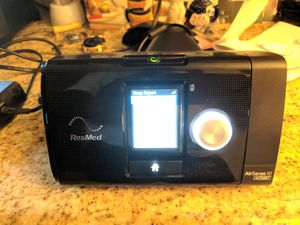 Resmed Air10 CPAP machine w/ humidifier and power supply for Sale in St. Louis, MO