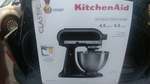 New Kitchen Aid 4.5 Qt Mixer for Sale in Cleveland, OH
