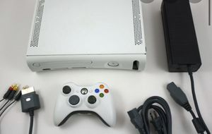 Xbox 360 white with a lot of games and wireless adapter for Sale in Pompano Beach, FL