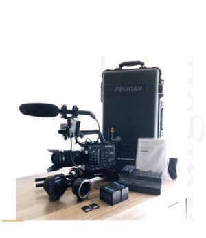 SONY PXW-FS5 Camera (FULL PACKAGE) for Sale in Houston, TX