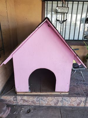 Big dog house. for Sale in Loma Linda, CA