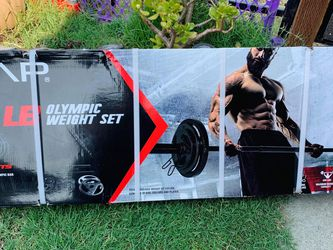 Brand New 🎁110 Lbs Olympic Weight Set🏋🏻♀️💪 for Sale in Stockton,  CA