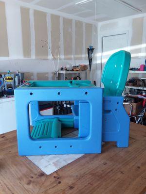 Evenflo art/play desk for Sale in San Antonio, TX