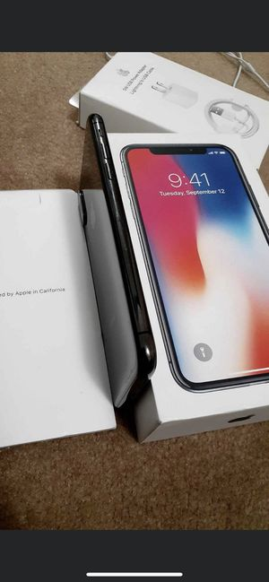 iPhone X 256gb unlocked with 2 cases for Sale in Daly City, CA