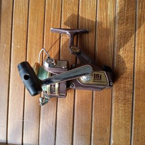Vintage Olympic 151 VO-Auto Spinning Reel for Sale in Hesperia, CA