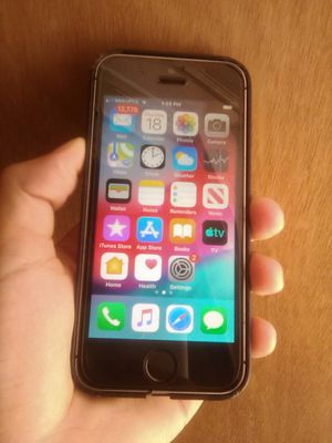 iPhone SE 64GB Unlocked for Sale in La Puente, CA