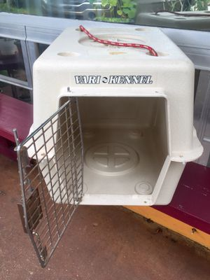 "Traditional Dog and Cat Kennel/ Cage: Size Small (21""L x 16""W x 15""H) for Sale in Hollywood, FL"