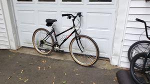 """TREK women's 800 Antelope mountain bike. 26"""" wheels, MED/LARGE 19"""" frame. for Sale in Hopedale, MA"""