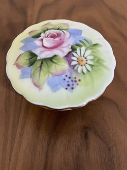 Vintage Lefton China Footed Trinket Dish Floral Lid Gold Trim Pattern #5206 for Sale in Huntington Beach,  CA