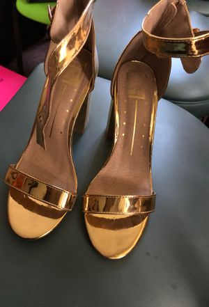 Gold block heel sandal for Sale in St. Louis, MO