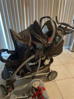 Double stroller with car seat for Sale in Olney, MD
