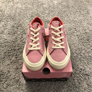Converse x Hello Kitty one star ox 362941c for Sale in Long Beach, CA