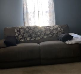 Dual Remote Recliner Sofa for Sale in Crownsville,  MD