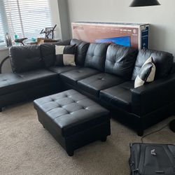 Black Sectional Couch & Footrest for Sale in Chicago,  IL