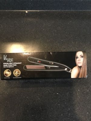 Women's hair straightener Brand New! for Sale in Brentwood, MD
