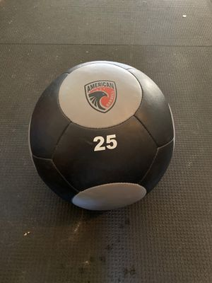 25 lb. wall ball for Sale in Chula Vista, CA