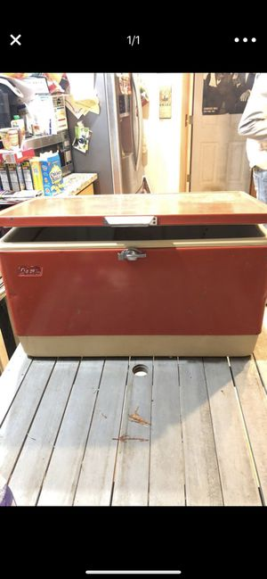 1984 vintage Coleman cooler for Sale in Damascus, OR