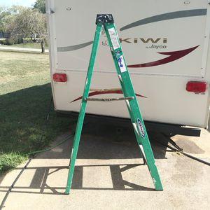 6 ft fiberglass Wagner step ladder 225 lb for Sale in Port Tobacco, MD