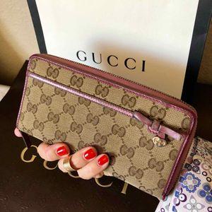 Gucci zippy wallet for Sale in Las Vegas, NV