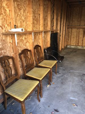 Wooden chairs with yellow seats (5 of them) for Sale in Columbus, OH