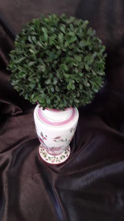Lovely Laura Ashley pink flower vase for Sale in El Cajon,  CA