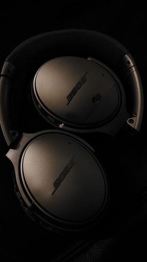 Bose QC 35 for Sale in Cleveland, OH
