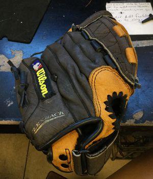 Wilson Baseball Glove for Sale in Matawan, NJ