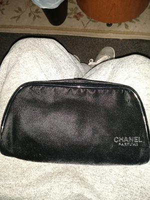 Chanel Cosmetic Bag for Sale in Grand Rapids, MI