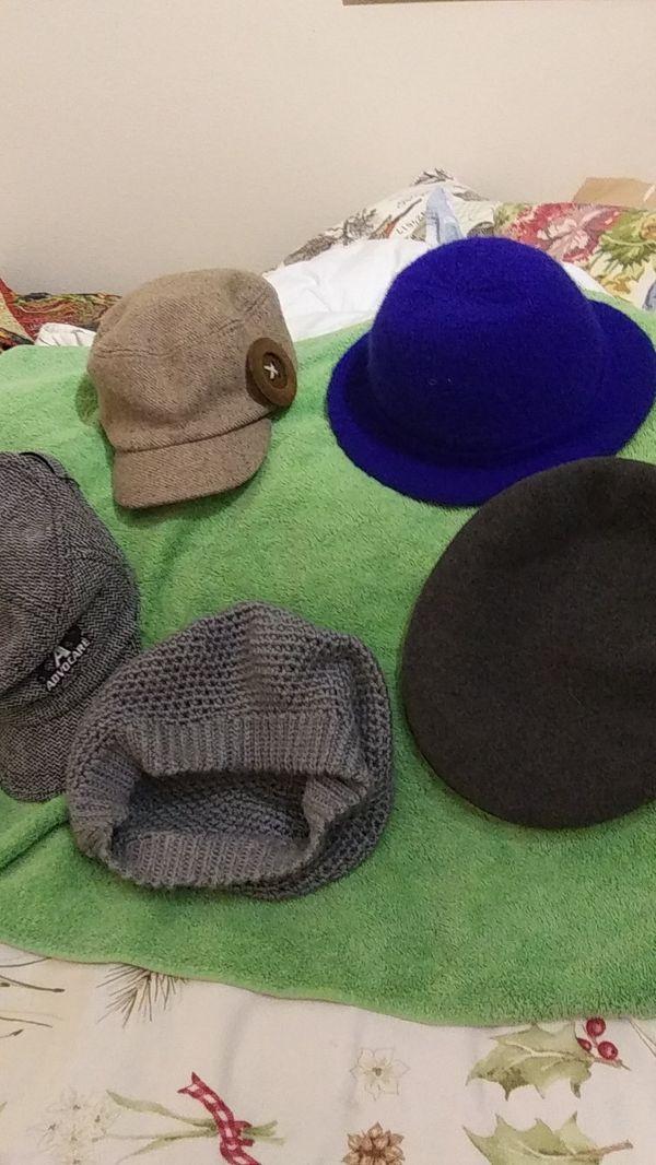 Lady's hats.advocare Hancock. Arlin