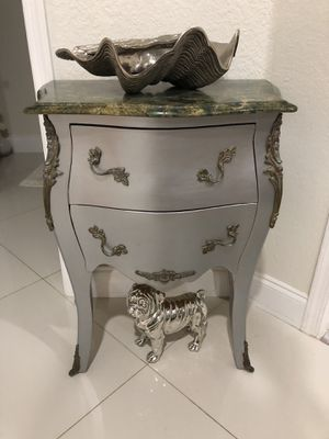 Small bombe chest for Sale in Pembroke Pines, FL