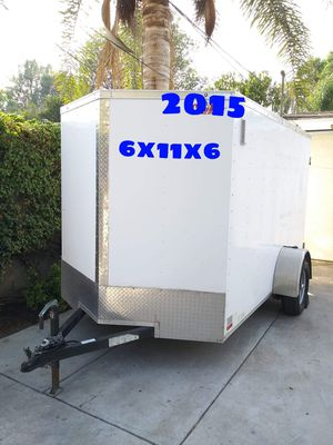 2015 LIKE NEW V NOSE ENCLOSED TRAILER CARGO 6X11X6 NICE AND CLEAN,HAS NEW TIRES,LED LIGHTS for Sale in Los Angeles, CA