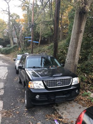 2005 Ford Explorer v8 second owner for Sale in East Liberty, PA
