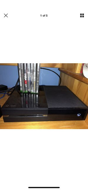 Xbox One 500GB with headphones and games for Sale in Walpole, MA