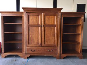 Ethan Allen TV Stand / TV cabinet and bookshelves for Sale in Laguna Beach, CA