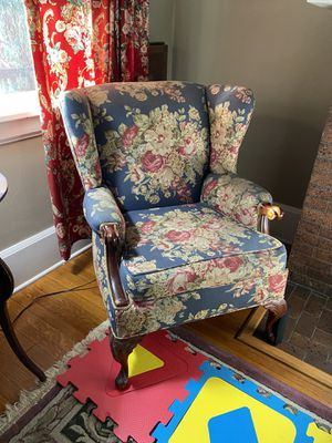 Beautiful antique armchair $75 for Sale in Monterey Park, CA